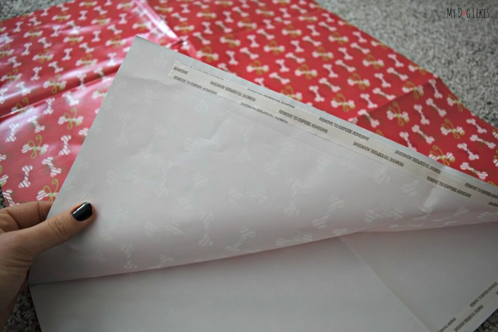 Pet Party Printz wrapping paper comes with an attached strip of adhesive tape!