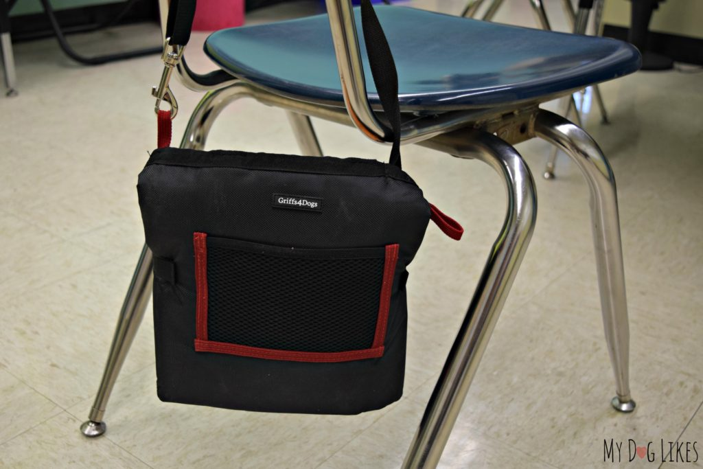 Conveniently portable and would be great for therapy dogs working in schools.