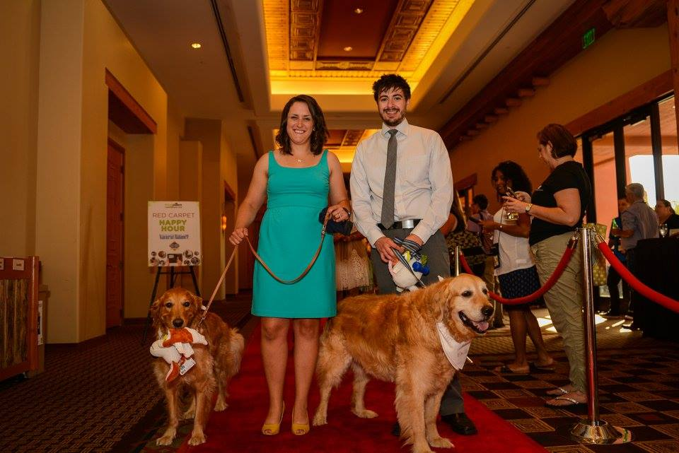 Walking the Red Carpet for the BlogPaws 2016 Nose to Nose Awards